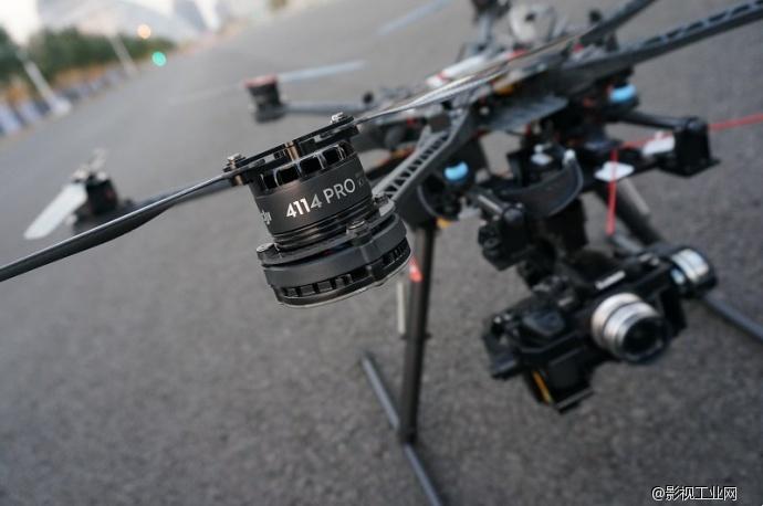 新组装的航拍飞行器,拍摄的素材不需要后期防抖