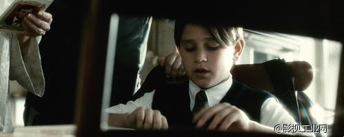图解斯皮尔伯格的十种电影拍摄技巧