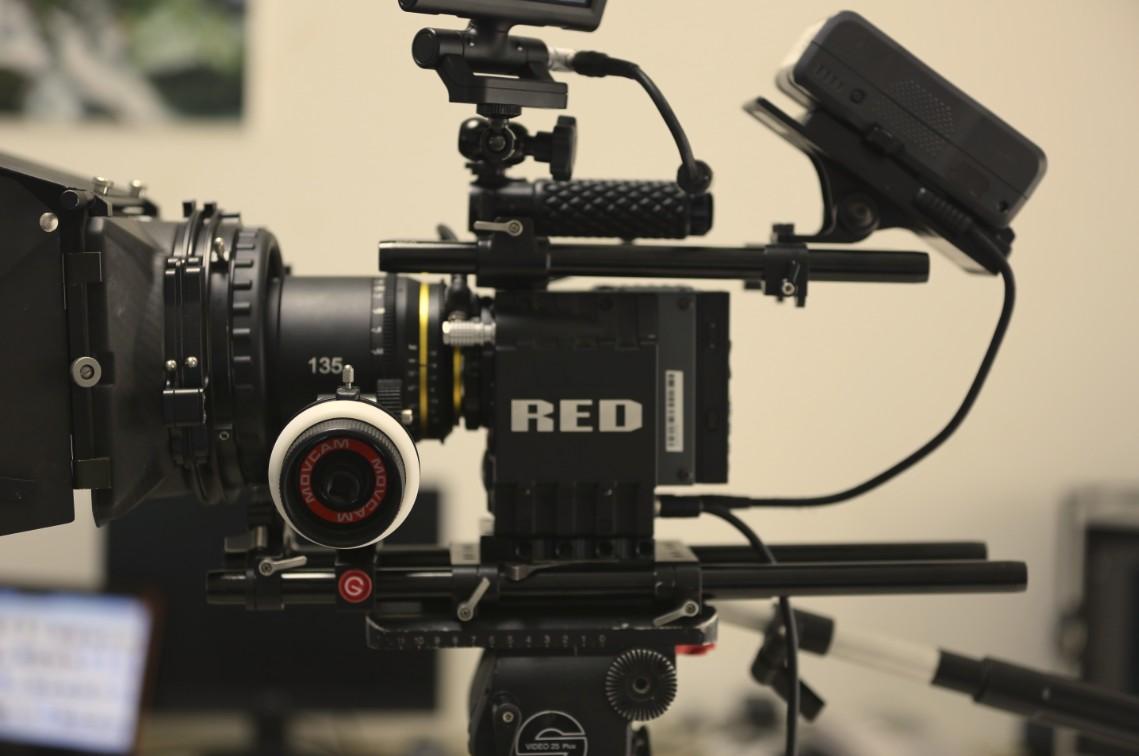 公司影视租赁部门问您提供摄影器材租赁服务,以下为设备清单