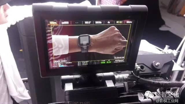 bong出了挑战AppleWatch触控逻辑的智能手表,那么它的上市宣传片怎么拍? 苹果风智能穿戴设备宣传片 新闻中心 4