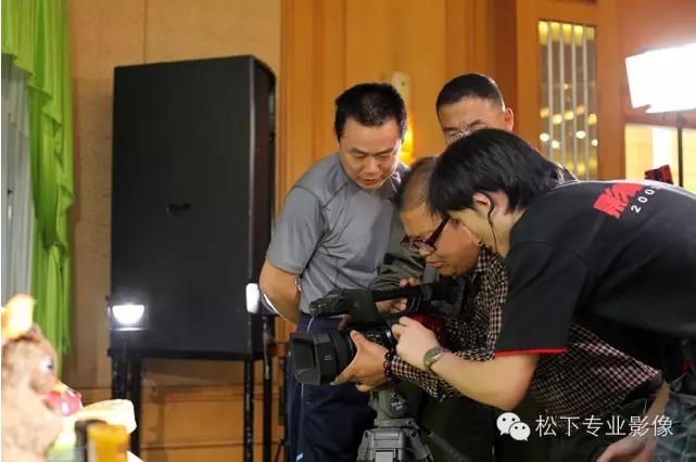 X 4K 红 AG DVX200MC揭幕式南京站大放异彩