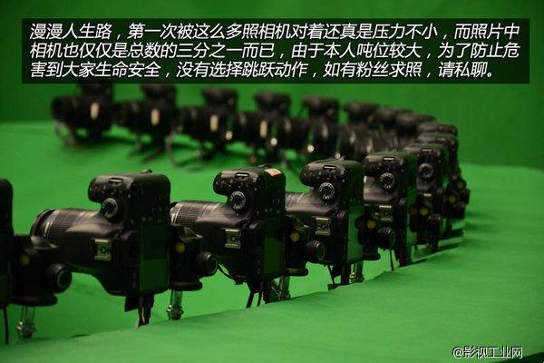 扩展并行输入输出接口, 输出端口用来连接照相机的快门电路; 输入