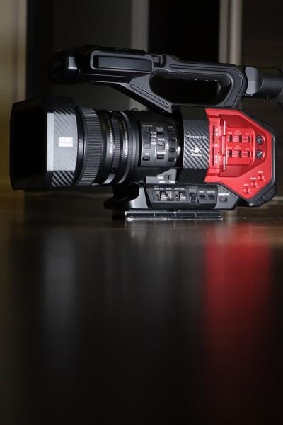 松下DVX 200评测第四部分(完)——莱卡镜头,光学防抖和自动对焦