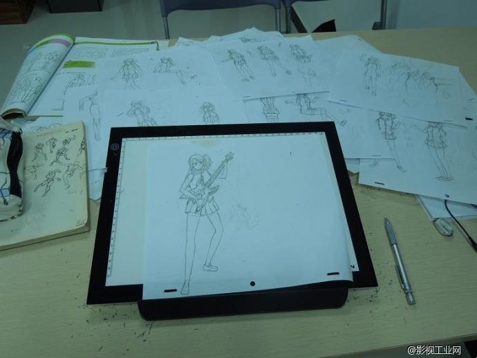 广州漫画培训学院,漫画培训班白云山写生游
