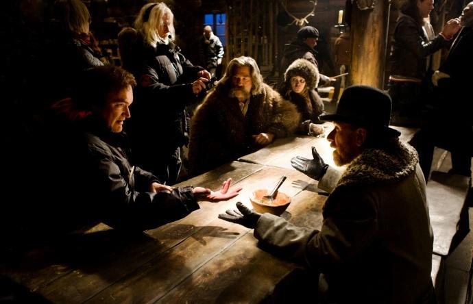 理查德森估计大约百分之六十到七十五的内景是在现场拍摄的.