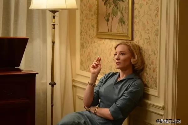 几分轻佻,些许慵懒:这些电影中抽烟的女人