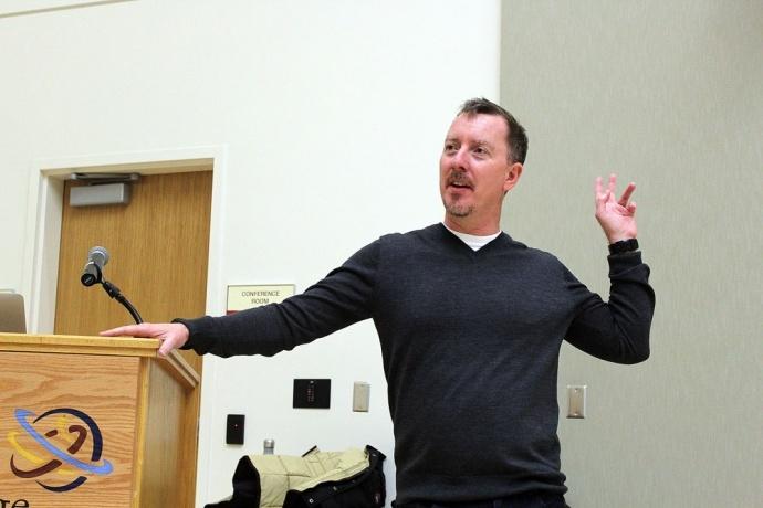 我们和杜比学院总监Glenn Kiser聊了聊,看杜比如何在声音上做培训