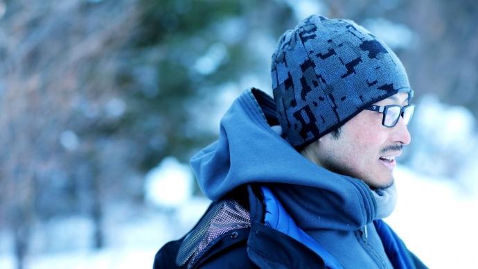 """梁家辉、佟大为、周冬雨、魏晨及《这个杀手不太冷》摄影师,为""""剧本和曾为摄影、第一次做导演的徐伟""""而来,刘佳撰文评述《冰河追凶》"""