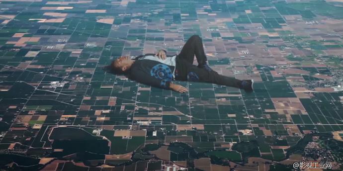创意MV!Coldplay新单《Up&Up》