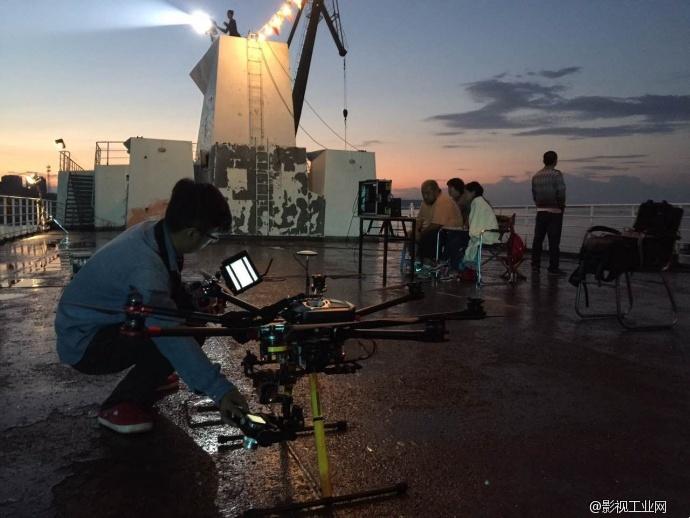电影航拍 | 我们让这艘阴森的废弃《魔轮》重新出海了!
