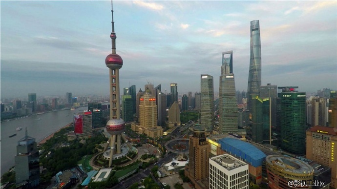 上海外滩东方明珠高清航拍素材