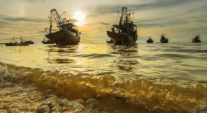 遂溪江洪镇早晨拍摄鱼市,江洪仙群岛风景名胜区主要包括仙群半岛的