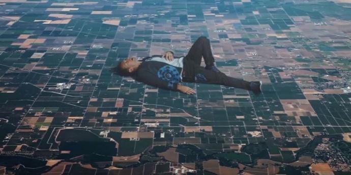 这支堪称年度最佳的MV《Up&Up》,终于知道它是怎么拍的了