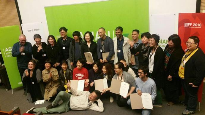 德格才让作品获得釜山国际电影节AND项目双黄蛋