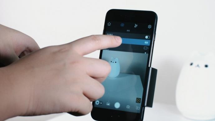 手机稳定器对决:OSMO Mobile VS Smooth2