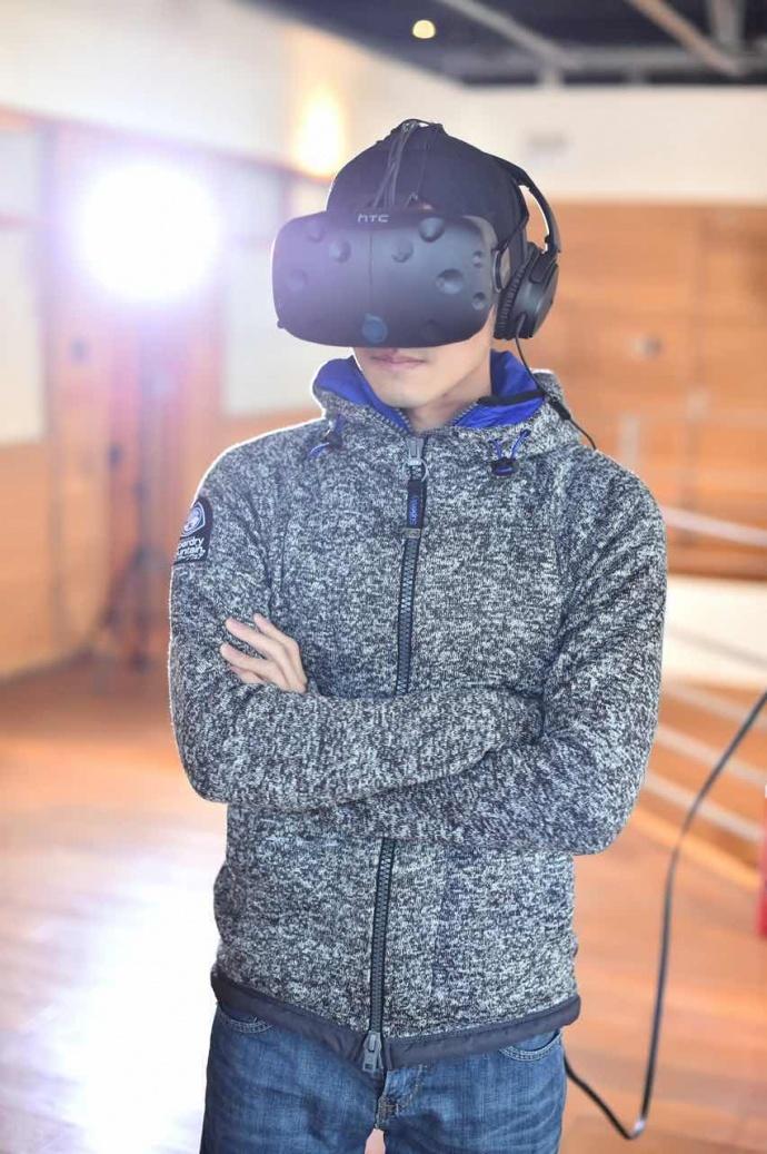 """[全球獨家]谢霆锋访数字王国 亲嚐""""幻樂一場""""VR威力"""
