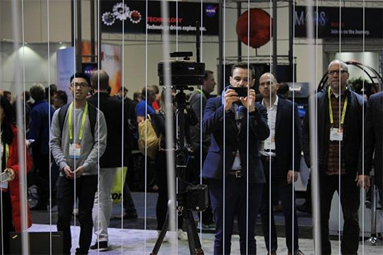 这款在CES上进行跨国VR直播的设备 满足了人们的好奇心