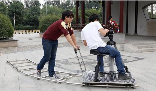 在使用影视轨道车拍摄应注意哪些问题?(一)