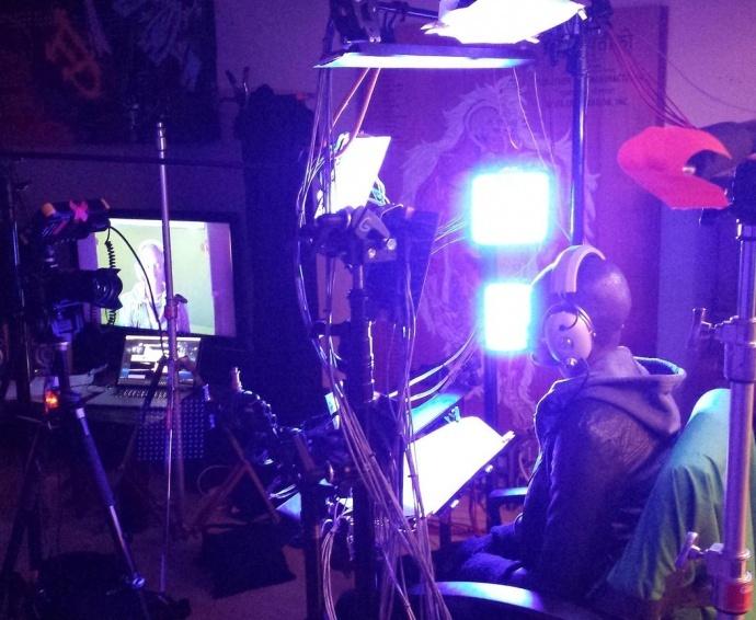 亮瞎眼!Lusine最新MV采用2300个LED与节拍同步