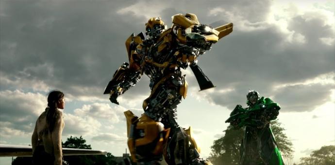 《变形金刚5:最后的骑士》全新中字预告,擎天柱黑化,手撕大黄蜂!