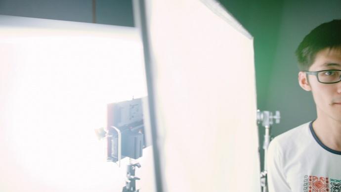 也许你会想要这个不可破坏的灯——爱图仕Tri8