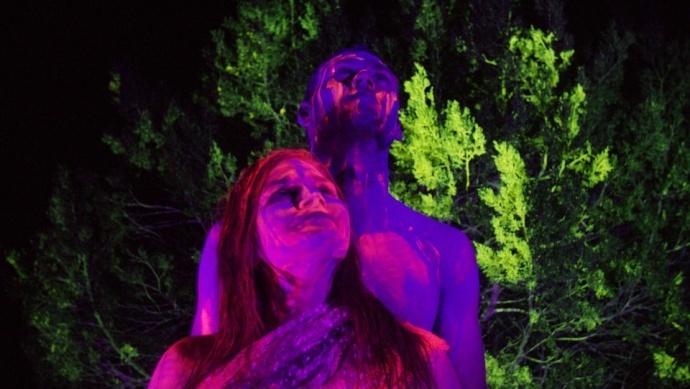 DIY | 用紫外线灯+1000瓦的LED,创造一段不可能