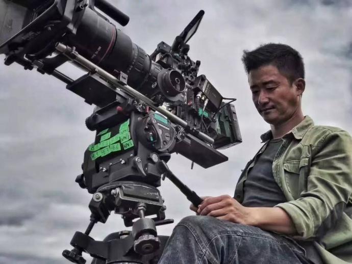 飞影航拍协拍《战狼2》 爆燃暑期档