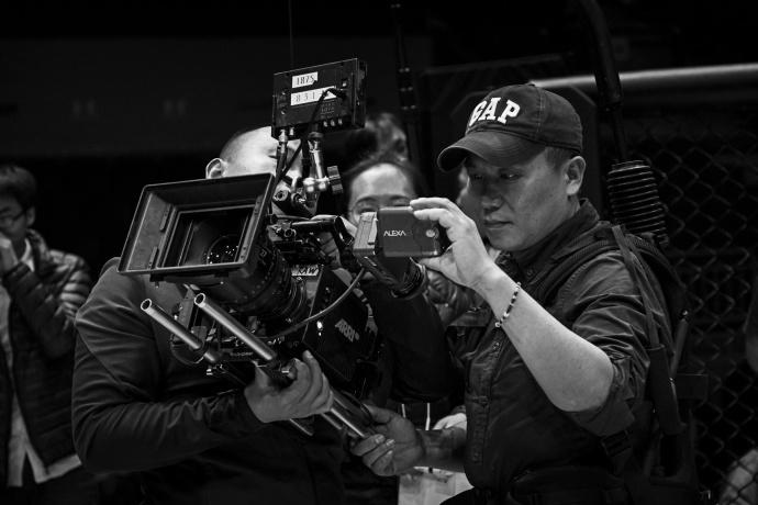 揭底《羞羞的铁拳》影像化全流程,专访摄影师李炳强