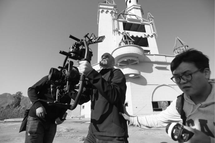 猜猜这位在华的摄影师用它拍了什么短片——EVA1国内首部样片探班