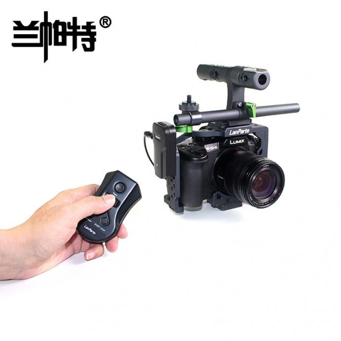 兰帕特Lumix松下相机控制器拍照对焦无线控制开关机有源版LRC-02  这款产品主要功能为:Lumix松下相机无线拍照、对焦、开关机等。 兰帕特Sony索尼相机控制器拍照对焦无线控制开关机无源版LRC-01 这款产品主要功能为:Sony索尼相机无线拍照、对焦、开关机等