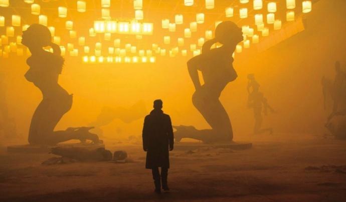 《银翼杀手2049》如何运用影和光,解读罗杰·迪金斯创作方法