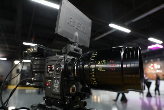 RED WEAPON MONSTRO 8K VV亚洲首秀、耀世登场,RED官方体验日-世纪新峰专场