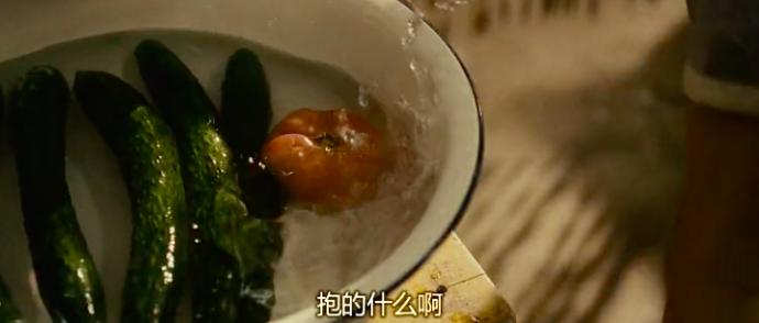 除了啃西红柿,《芳华》这几个镜头也超美!