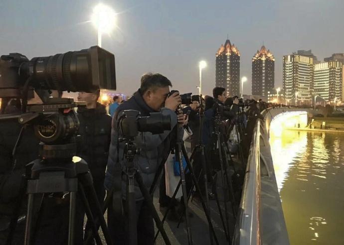 2018跨年新姿势—最炫灯光秀「航拍视频」
