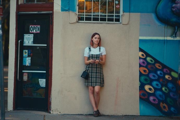 导演处女作拍了一部青春片,《伯德小姐》却惊艳了整个颁奖季