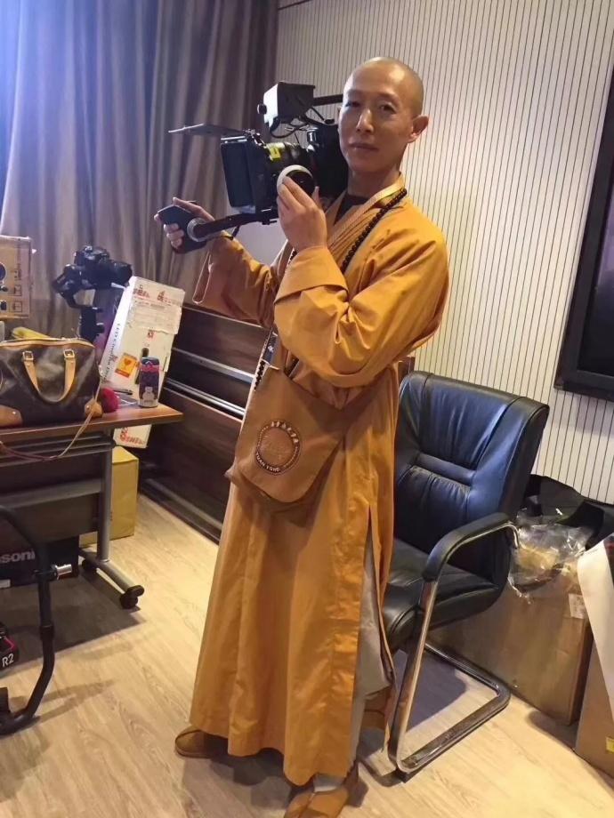 松下推出佛系摄影机新产品?!听说还拍了佛系小短片?!