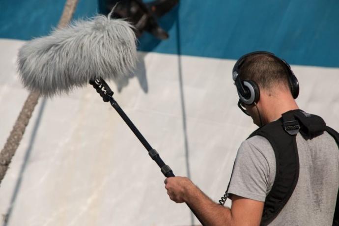 动态范围 音频设备使用动态范围测量来表示组件的最大输出信号和评估